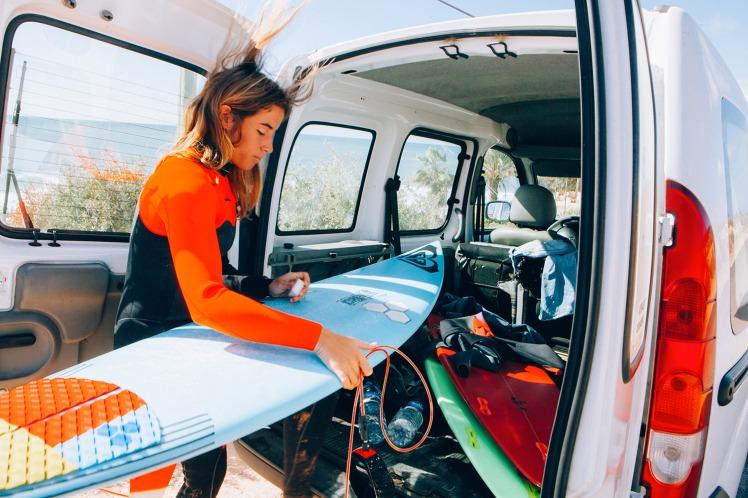 surf girl lee ann curren