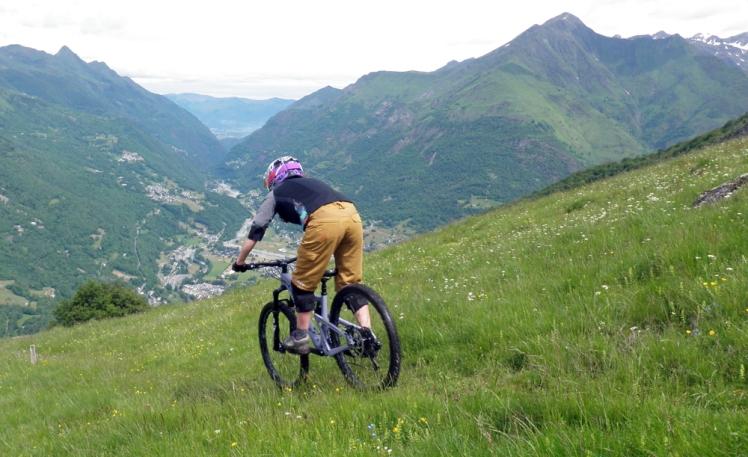 Juliana roubion enduro féminin vélo femme