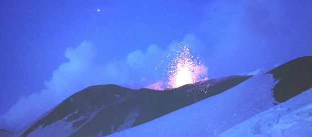 etna-eruption-ski