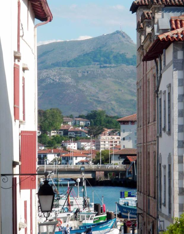 port-St-jean-rhune-pays-basque.jpg