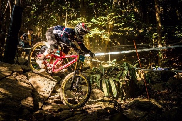 Flora Lesoin VTT DH Interview8