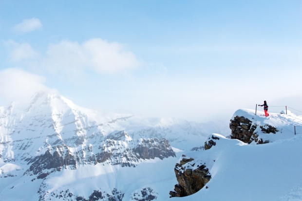 SNOWBOARD ESSENTIELS.jpg