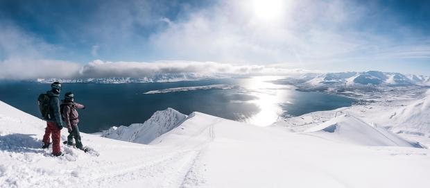 13islande sur snowboard féminin