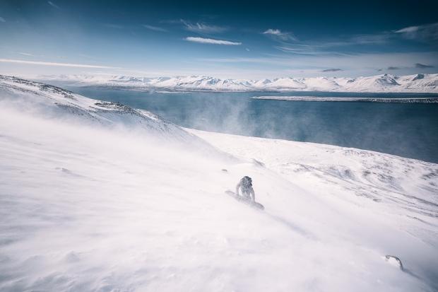 18islande sur snowboard féminin